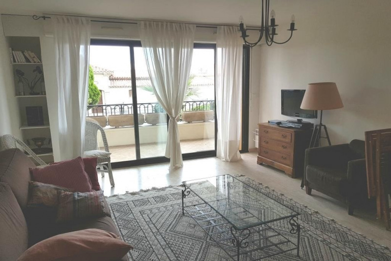 Sale apartment Ste maxime 420000€ - Picture 3