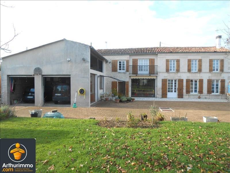 Sale house / villa Loulay 180000€ - Picture 1