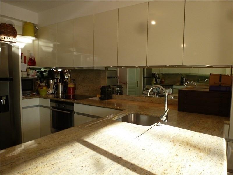 Sale apartment Charbonnieres les bains 449000€ - Picture 2