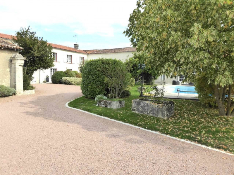 Deluxe sale house / villa Saint-laurent-de-cognac 695 000€ - Picture 10