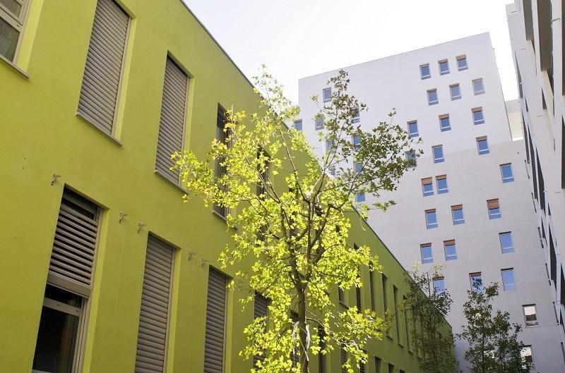 Rental apartment Marseille 3ème 931€ CC - Picture 1