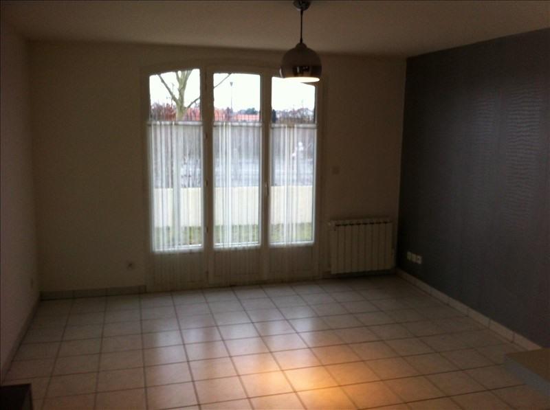 Producto de inversión  apartamento Riorges 105000€ - Fotografía 4