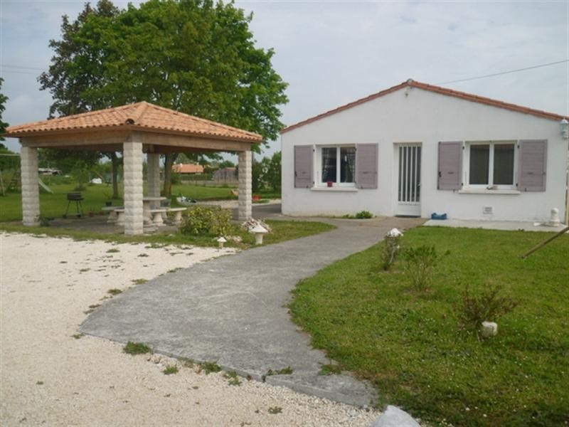 Sale house / villa Loulay 219000€ - Picture 2