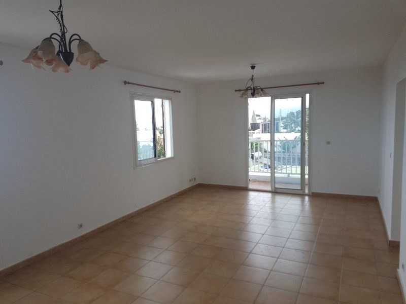 Sale apartment Le tampon 99 750€ - Picture 1