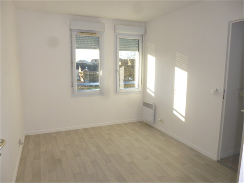 Rental apartment Moissy cramayel 730€ CC - Picture 3