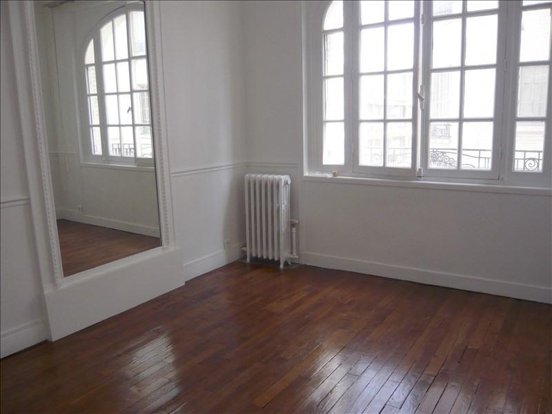 Location appartement Courbevoie 980€ CC - Photo 2