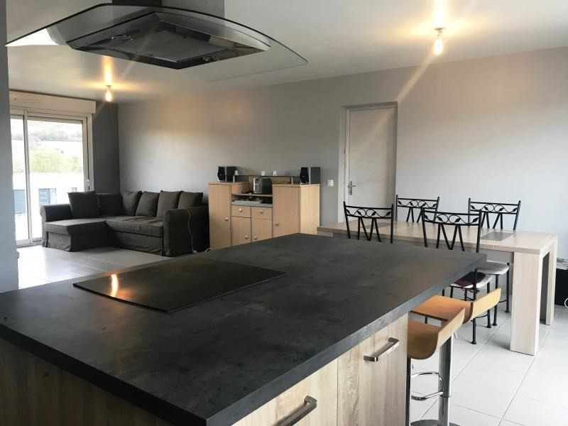 Sale house / villa Luzinay 250800€ - Picture 5