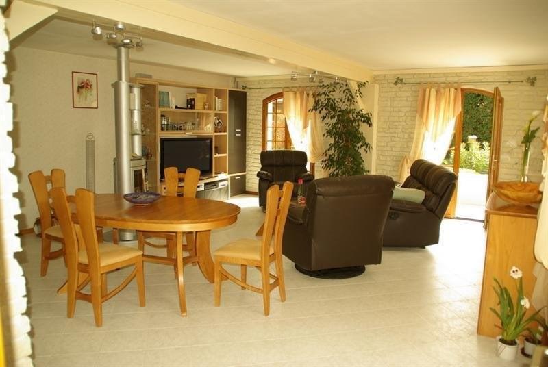 Sale house / villa Montlieu la garde 272000€ - Picture 3