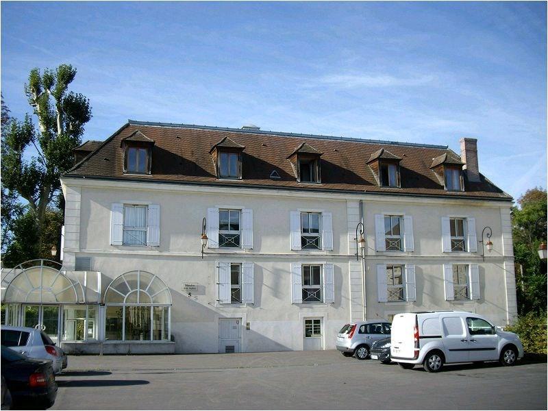 Location appartement Crosne 891€ CC - Photo 2