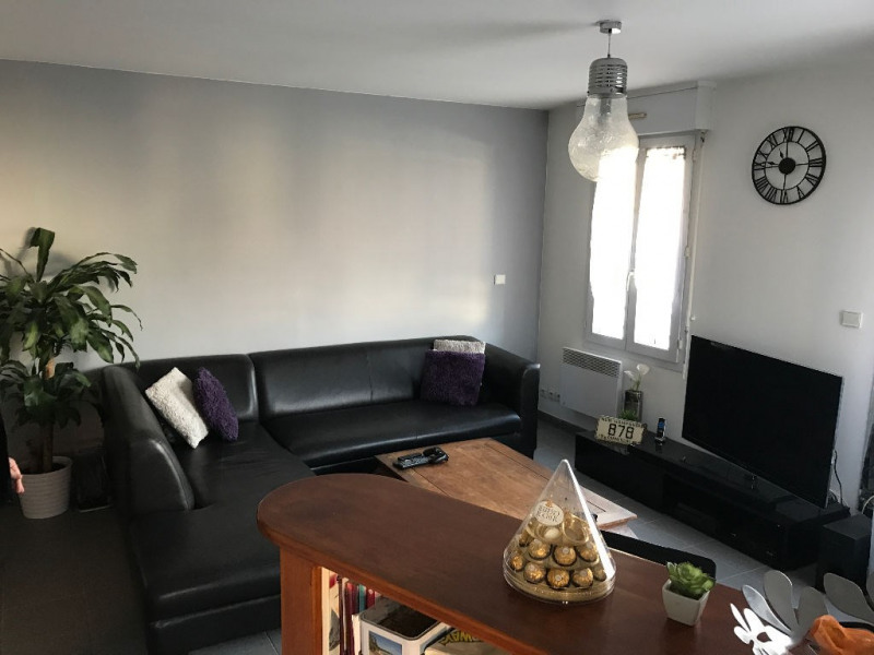 Sale apartment La rochelle 139000€ - Picture 2