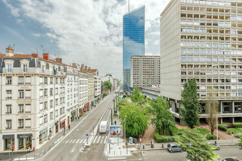 EXCLUSIVE RIGHTS - LYON 3 - APARTMENT OF 172 SQM - 4 BEDROOMS - GARAGES