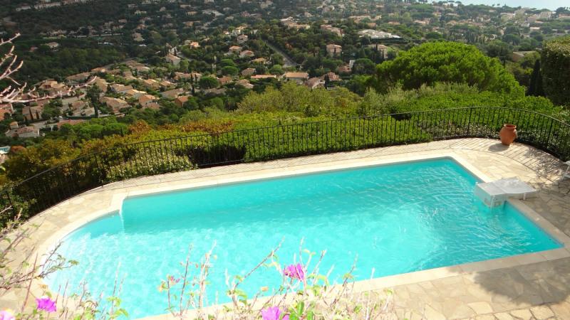 Location vacances appartement Cavalaire 900€ - Photo 3