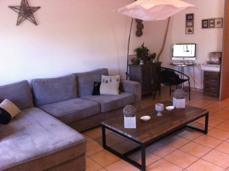 Rental apartment Les angles 843€ CC - Picture 3