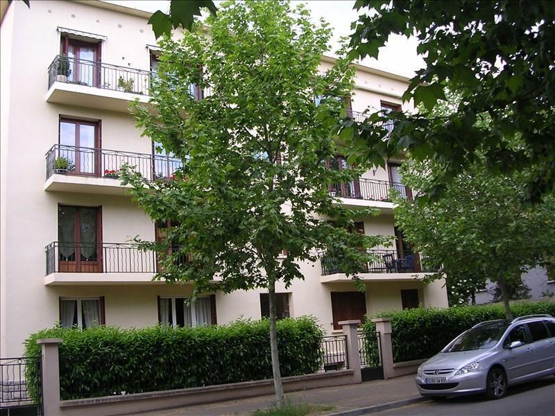 Rental apartment Auxerre 709€ CC - Picture 1