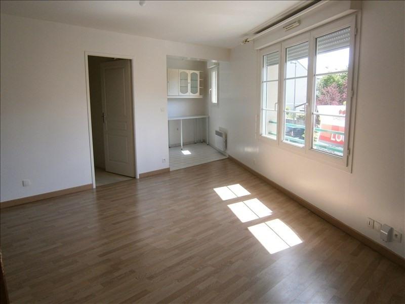 Location appartement Voisins le bretonneux 955€ CC - Photo 1