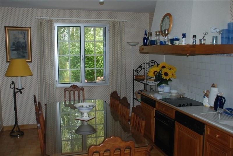 Sale house / villa Montfort l amaury 430000€ - Picture 6