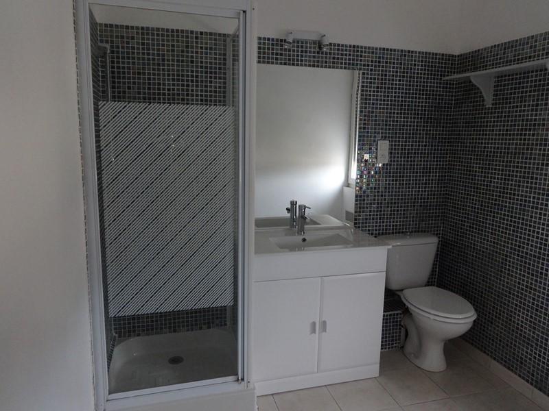 Alquiler  apartamento Le thor 380€ CC - Fotografía 3