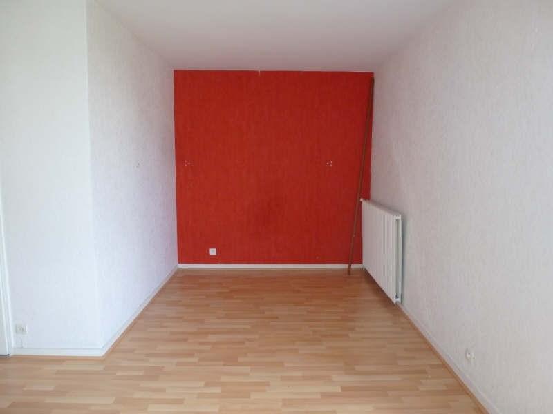 Rental apartment Maurepas 633€ CC - Picture 1
