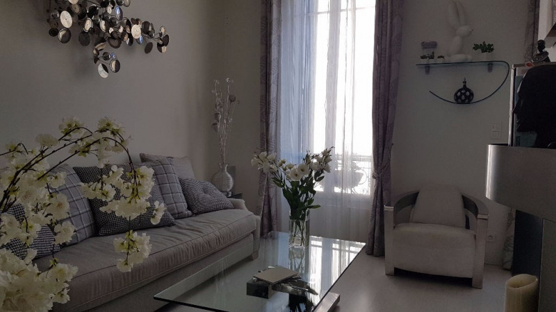 Vente appartement Hyeres 165 000€ - Photo 2