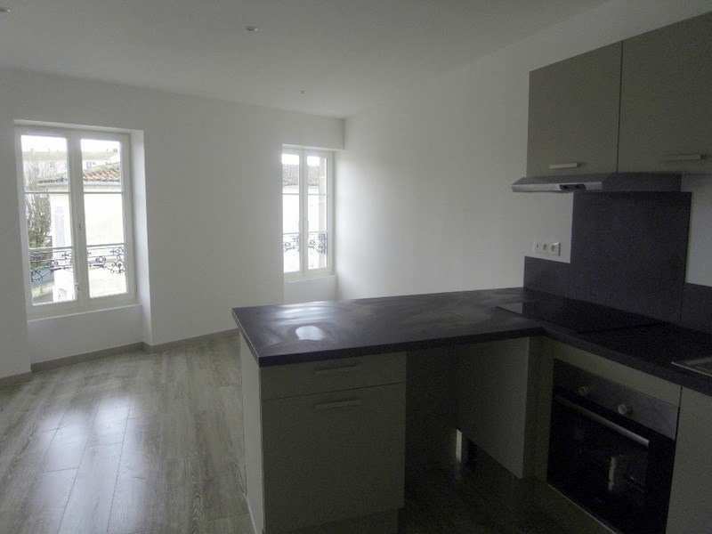Location appartement Cognac 545€ CC - Photo 1