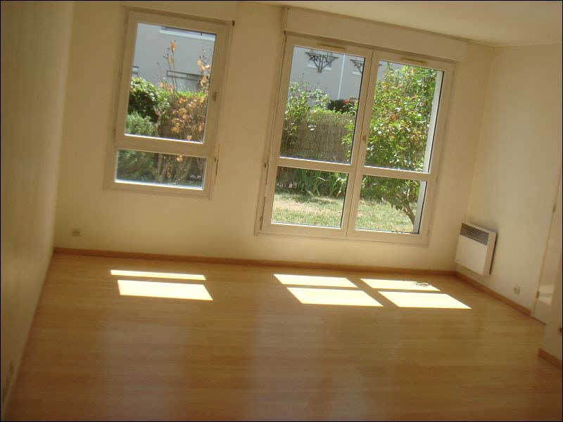 Rental apartment Viry chatillon 756€ CC - Picture 2