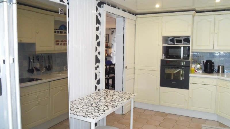 Sale house / villa Lesigny 310000€ - Picture 3