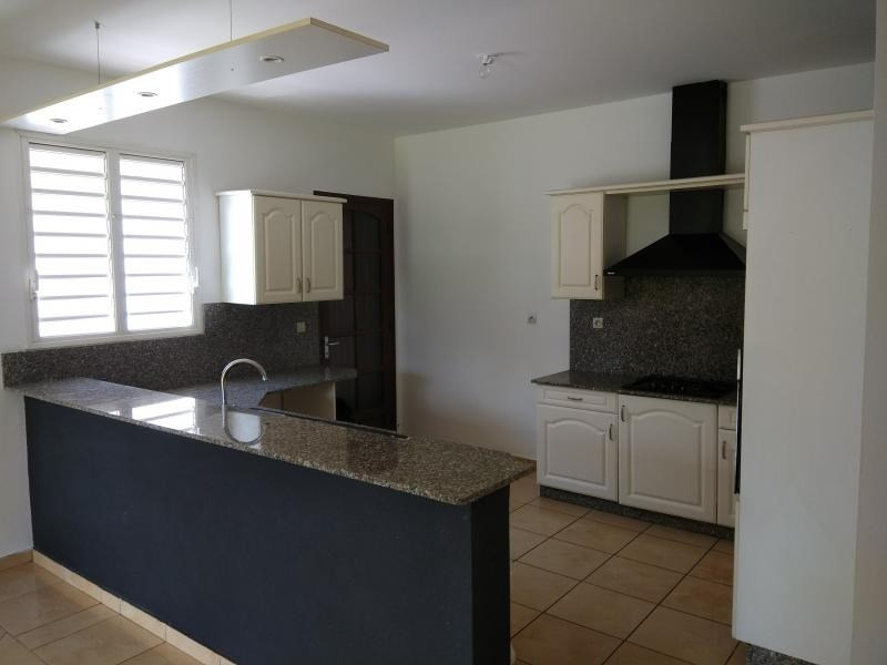 Rental house / villa St benoit 1244€ CC - Picture 2