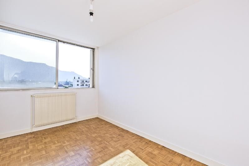 Location appartement Fontaine 580€ CC - Photo 3