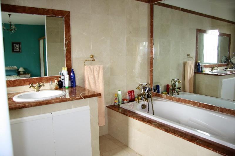 Sale house / villa Lunel 440000€ - Picture 5