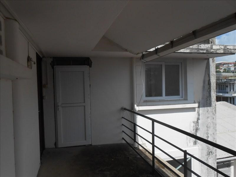 Sale apartment Basse terre 130000€ - Picture 2