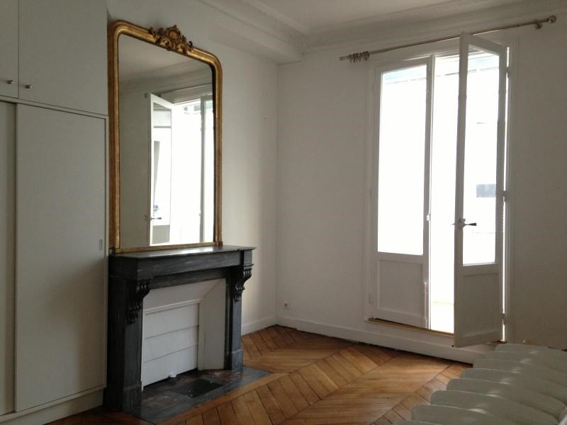 Location appartement Paris 4ème 3 300€ CC - Photo 8