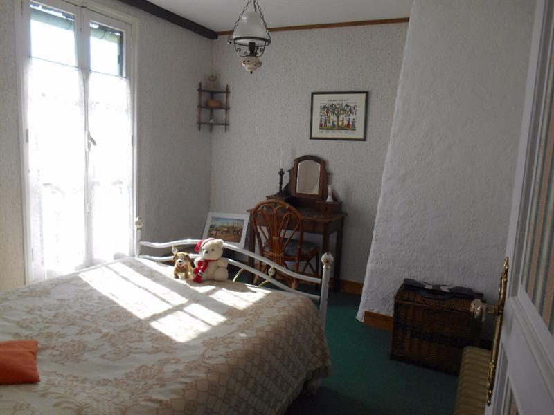 Sale house / villa Francastel 163000€ - Picture 6