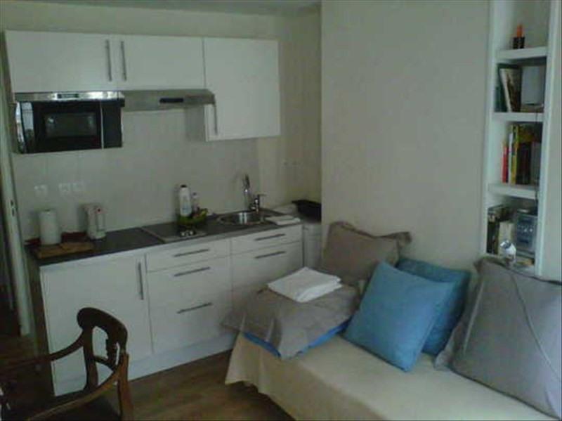 Rental apartment Paris 6ème 878€ CC - Picture 1