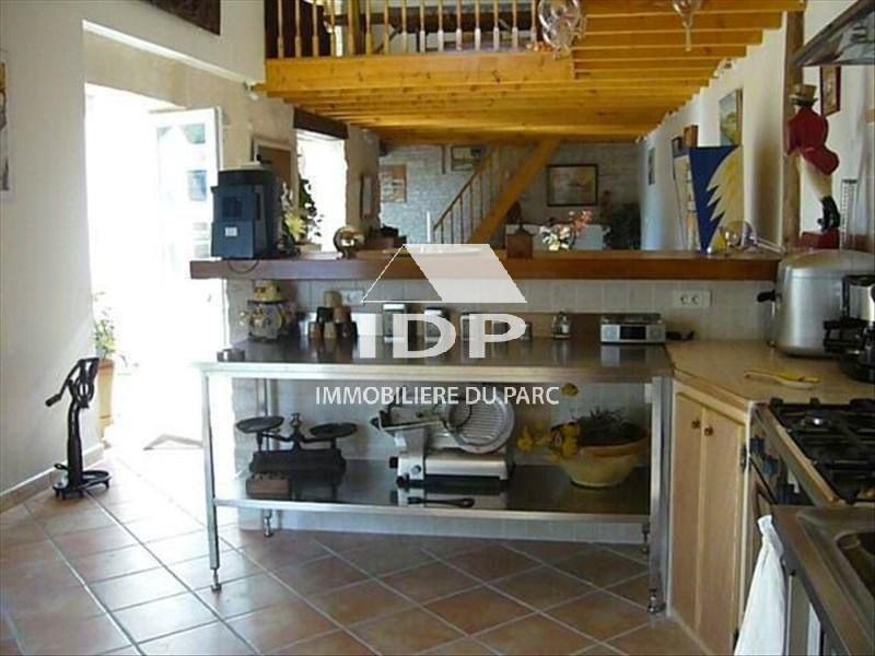 Sale house / villa Saint-hilaire-la-palud 390000€ - Picture 4