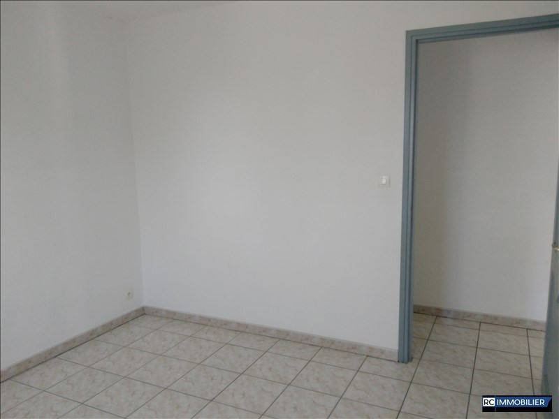 Rental apartment Ste marie 850€ +CH - Picture 2