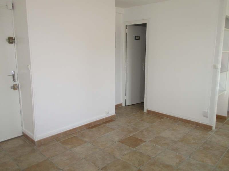 Rental apartment Niimes centre 440€ CC - Picture 3