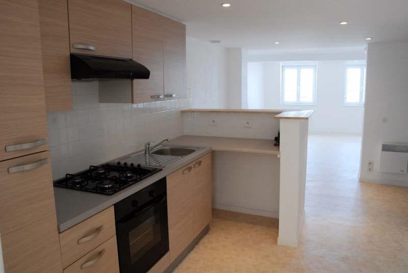 Rental apartment Avesnes sur helpe 500€ CC - Picture 2