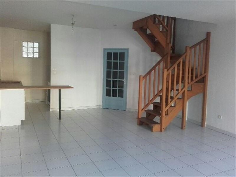 Rental apartment Salon de provence 553€ CC - Picture 3