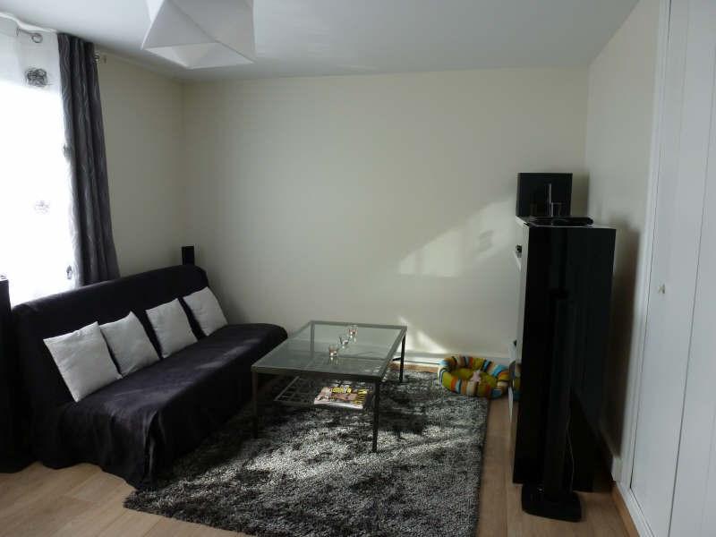Location appartement Coignieres 725€ CC - Photo 1