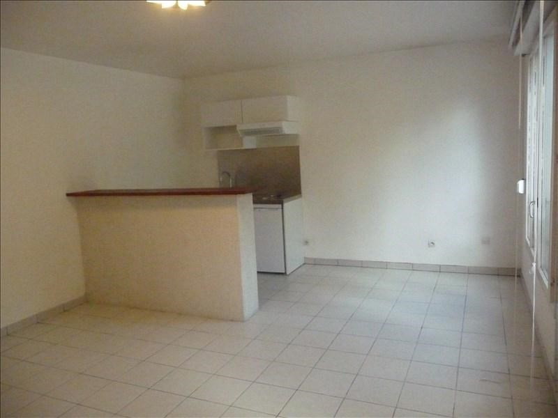 Sale apartment Charbonnieres les bains 126000€ - Picture 2