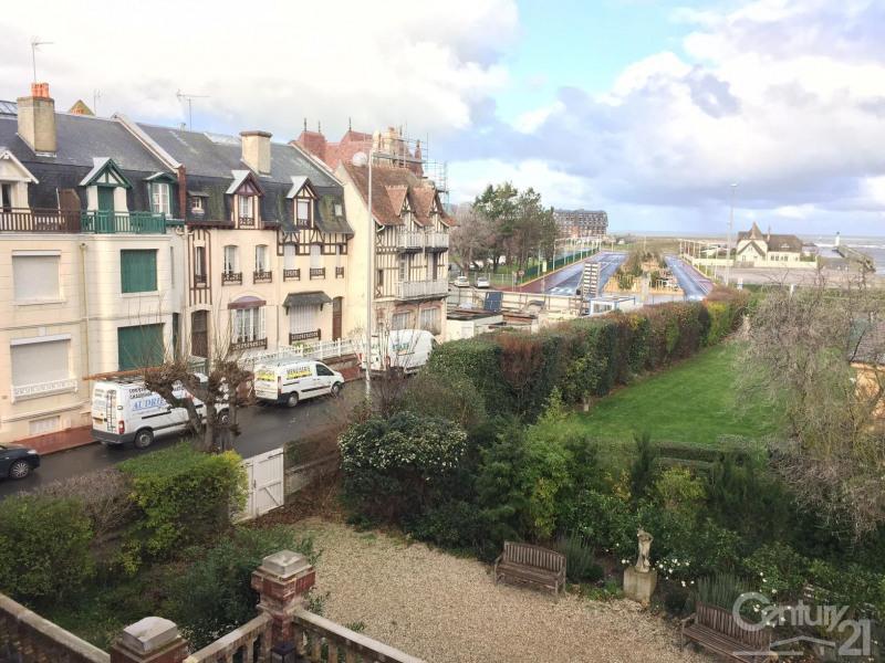 Sale apartment Deauville 215000€ - Picture 2