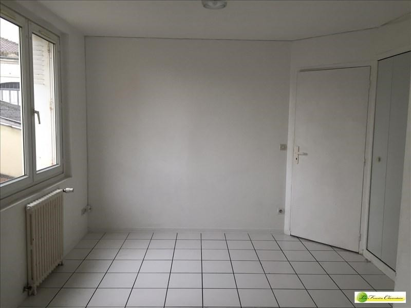Location appartement Angouleme 405€ CC - Photo 3