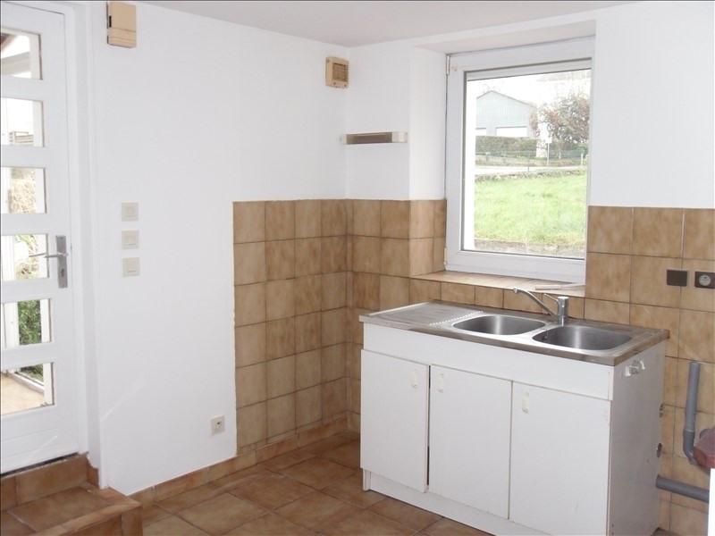 Rental apartment Tremeven 325€ CC - Picture 3