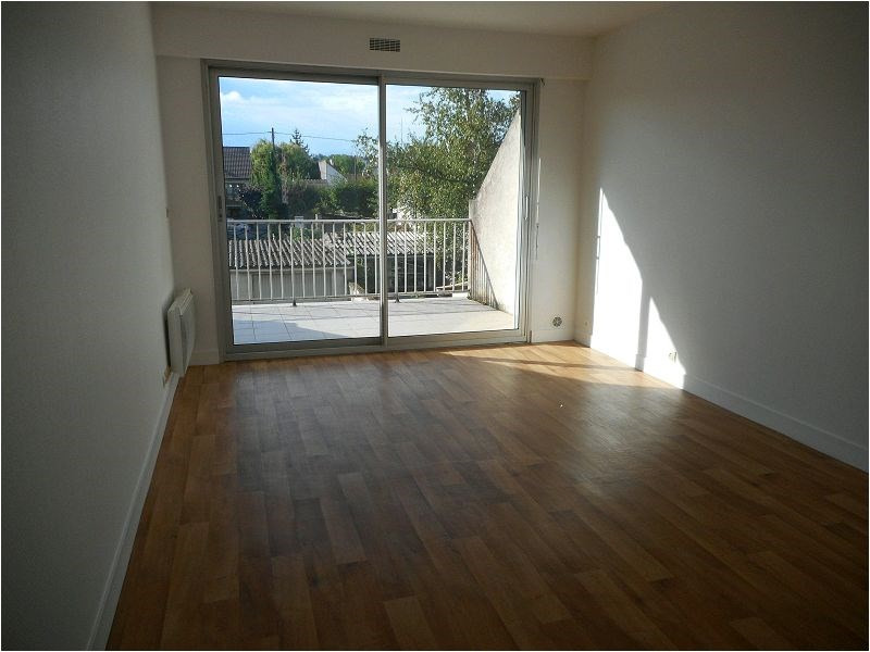 Rental apartment Viry-chatillon 572€ CC - Picture 1