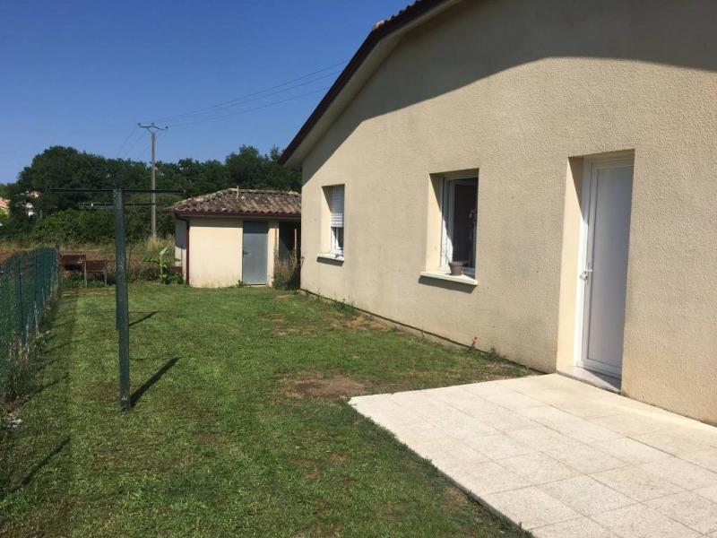 Rental house / villa Prignac-et-marcamps 604€ CC - Picture 3