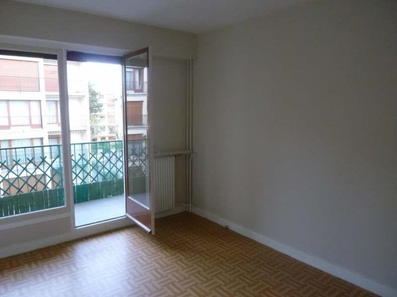 Rental apartment Vaucresson 890€ CC - Picture 3