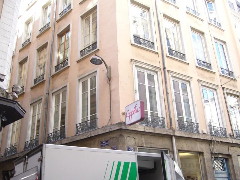 Location boutique Lyon 1er 2 916€ CC - Photo 1