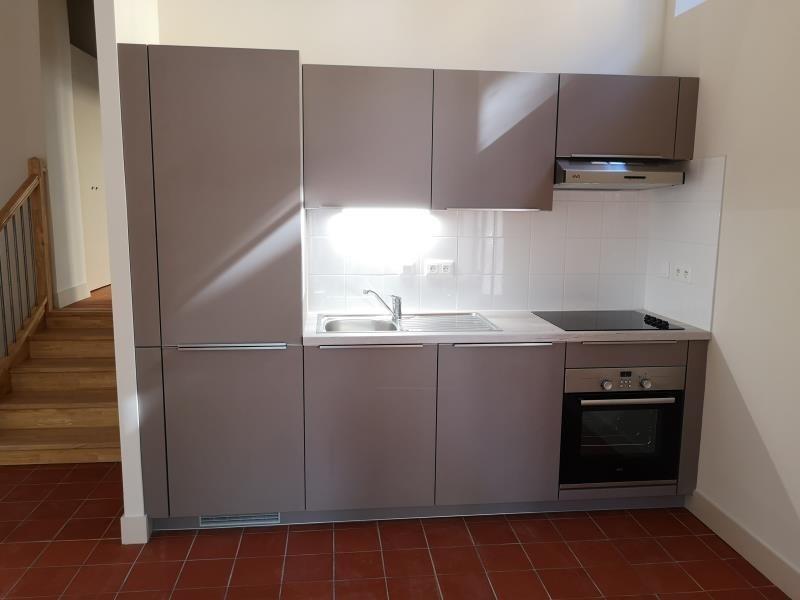 Verhuren  appartement Nimes 506€ CC - Foto 3