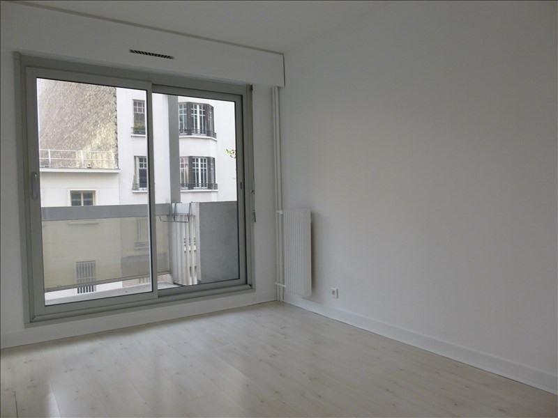 Locação apartamento Paris 15ème 1490€ CC - Fotografia 5