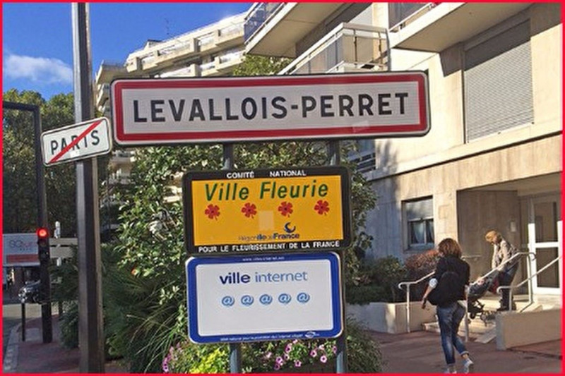 Location Local commercial Levallois-Perret 0